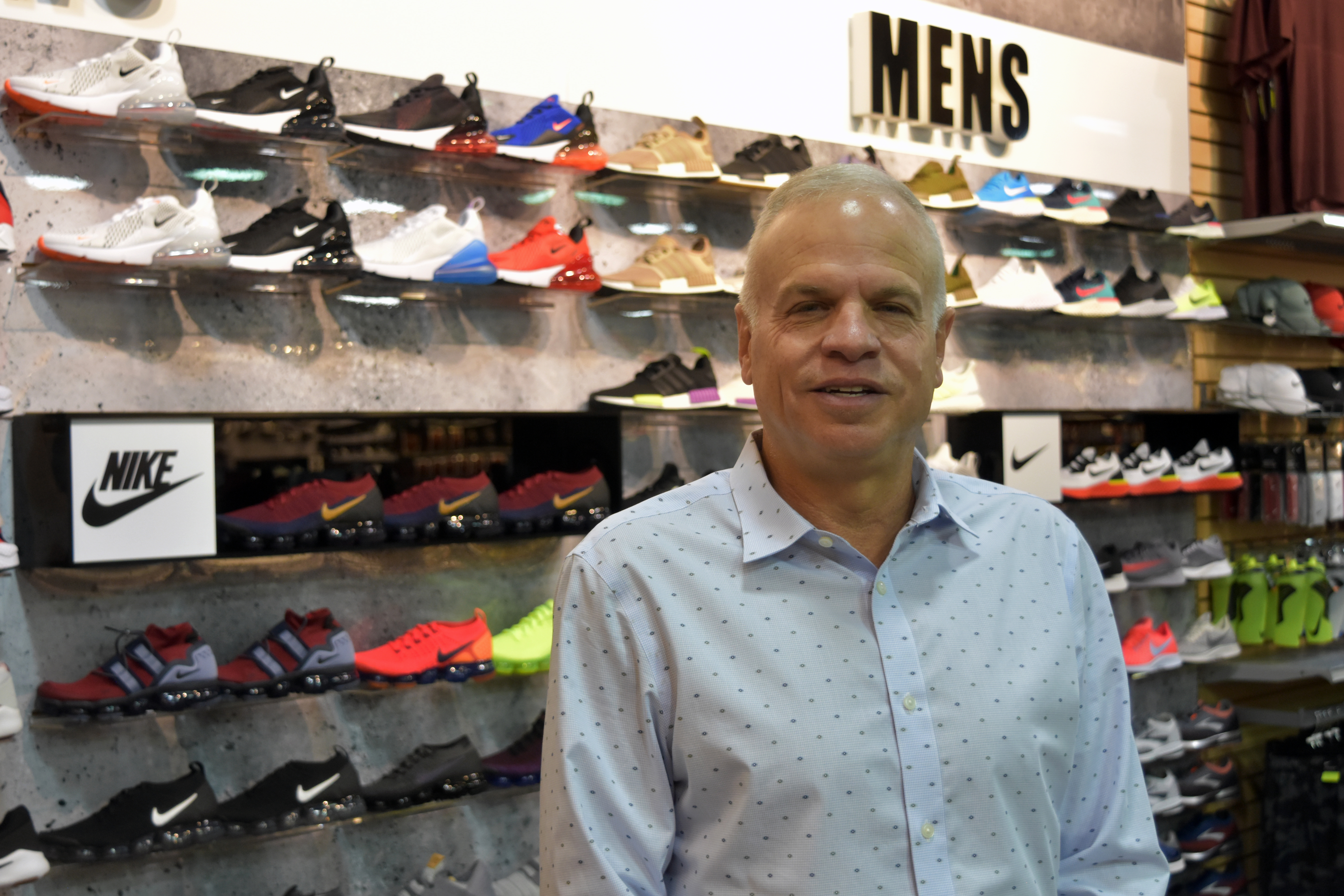 bf749e8b0d4f Hibbett Sports CEO earns second Retailer of the Year title